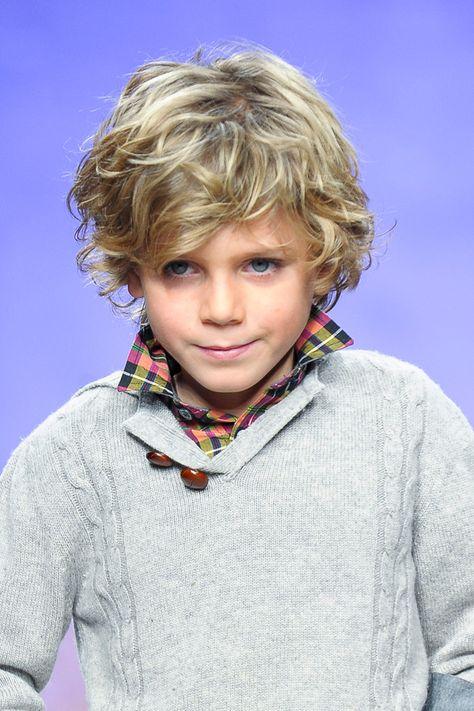 Surfer-Frisur für Kinder - Bilder
