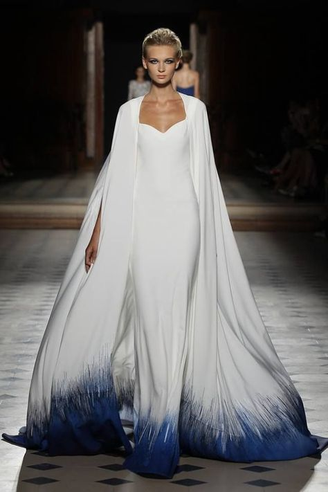 Check out the whole Tony Ward Haute Couture Fall/Winter Collection by clicking through the gallery. Photos Courtesy of Tony Ward Tony Ward, Beautiful Gowns, Beautiful Outfits, Runway Fashion, Fashion Show, Trendy Fashion, Winter Fashion, Chubby Fashion, Space Fashion