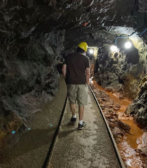 You Can Go Gold Mining Underground In North Georgia - Narcity