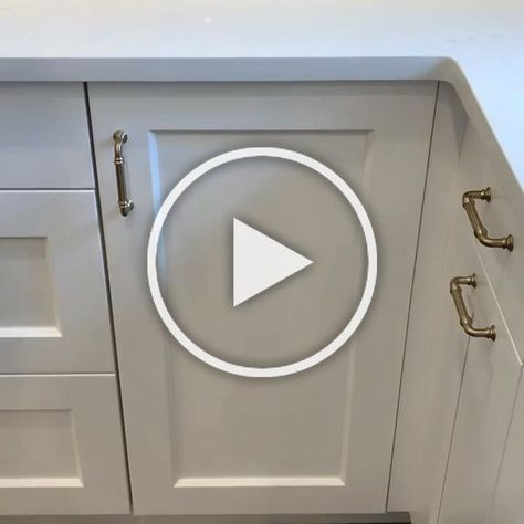 Making the most of your cabinet space is one of the best parts of renovating a kitchen 🙌🏻
