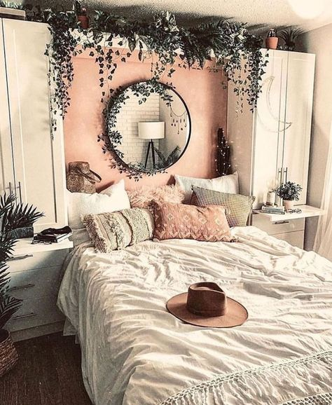 10 Ways To Decorate The Empty Space Over Your Bed