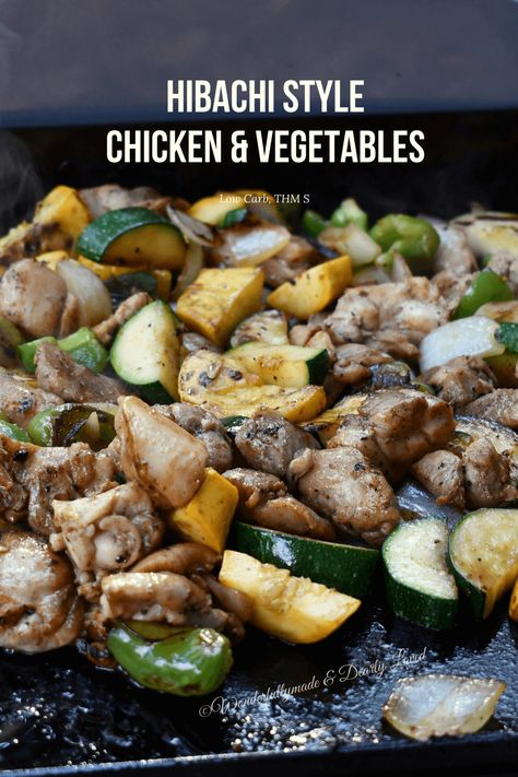 Hibachi Style Chicken & Vegetables made on a blackstone griddle while camping. You don't have to give up eating healthier choices with this wonderful dish that pleases friends and family alike! Healthy Grilling Recipes, Grill Recipes, Top Recipes, Chicken Recipes, Dinner Recipes, Cooking Recipes, Outdoor Griddle Recipes, Hibachi Recipes, Hibachi Grill