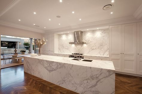 A stunning Miele kitchen, a Butler's Pantry with full cooking facilities including built-in coffee maker - exquisite!