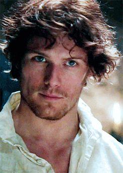 Sam Heughan (Outlander) by hellostonehengetv tumbl Lovely picture of Sam ( Jamie ) --- Mmmphm.