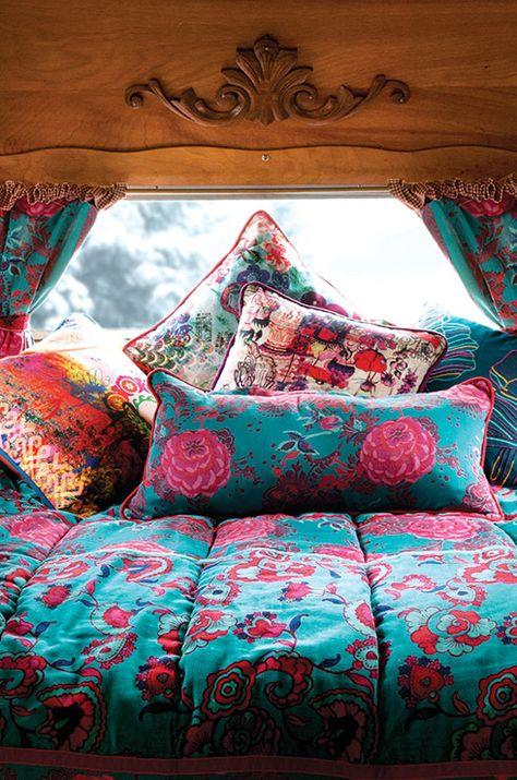 Déco multicolore ( turquoise et rose) - La Fiancée du Mékong