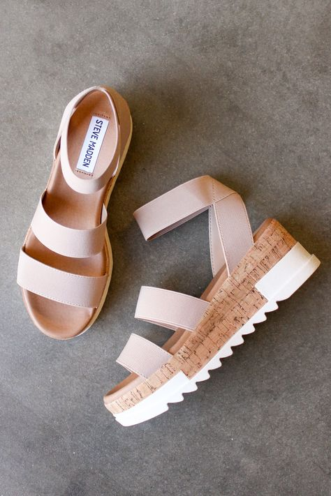 Steve Madden Bandi Platform Sandal In Blush Dr Shoes, Hype Shoes, Me Too Shoes, In Style Shoes, Sneakers Mode, Sneakers Fashion, Fashion Shoes, Fashion Drug, Ladies Fashion