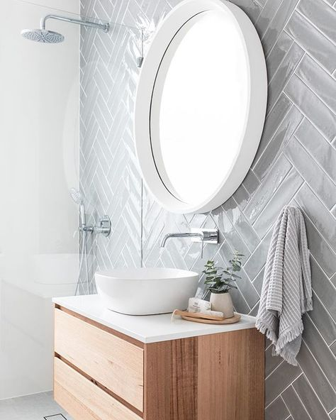Anyone else love a good chevron tile? I love that Catherine from @the_stables_ laid these in a double herringbone pattern – and that smoke…