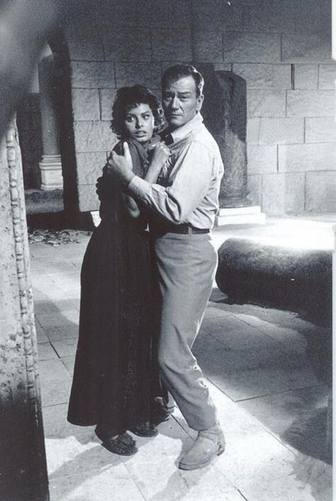 John Wayne -Sophia Loren