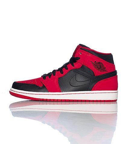 posibilidad Qué negocio  Zapatilla Nike Air Jordan Retro 1 Red-Black, versión modernizada de un  diseño atemporal www.basketspirit.com/Zapatillas-Baloncesto… | Sneakers,  Jordans, Air jordans