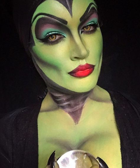 Maleficent - The Most Hauntingly Gorgeous Halloween Makeup Looks on Instagram - Photos