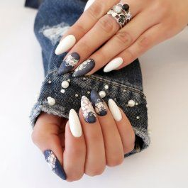 Blue Jeans Kit In 2020 Blue And White Nails Blue Nails Nail Kit