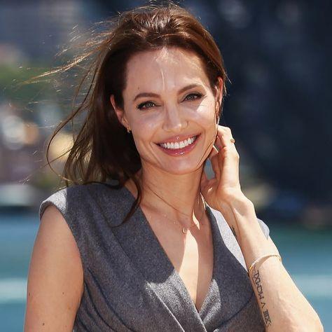 Pin for Later: Wer ist euer weiblicher Superstar 2014? Angelina Jolie