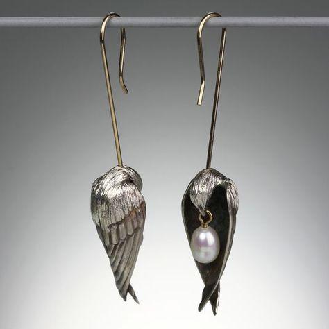 Gabriella Kiss - Sleeping Bird Earrings // Bronze, Pearls Oh Batty I am Bonkers about these for yoiu Bird Jewelry, Jewelry Art, Jewelry Accessories, Jewelry Design, Jewellery, Skull Jewelry, Hippie Jewelry, Indian Jewelry, Fashion Jewelry