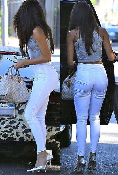 blouse grey shirt white pants crop tops shoes silver shoes jeans white top t-shirt shirt jewels bag skinny leg high waisted white jeans kardashians trendy