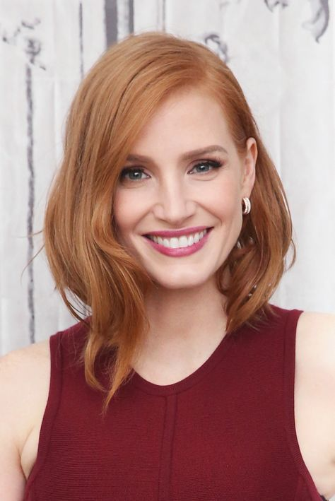 News Jessica Chastain S Goth Past How To Be More Photogenic Pale Skin Hair Color Strawberry Blonde Hair Hair Pale Skin