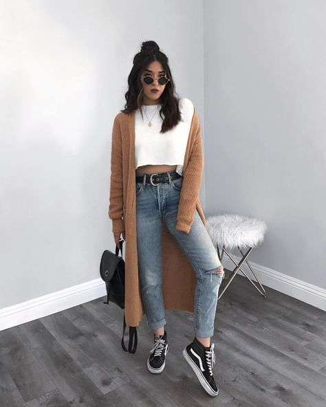 There Is Endless Street Style Inspiration for How to Make Ripped Jeans Look Chic AF - Fall Outfits