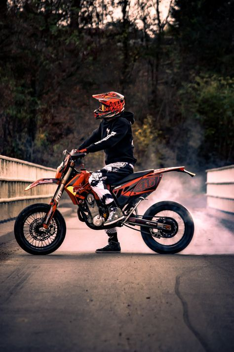 Ktm Dirt Bike Motocross 24 Ideas Dengan Gambar Gambar Teman
