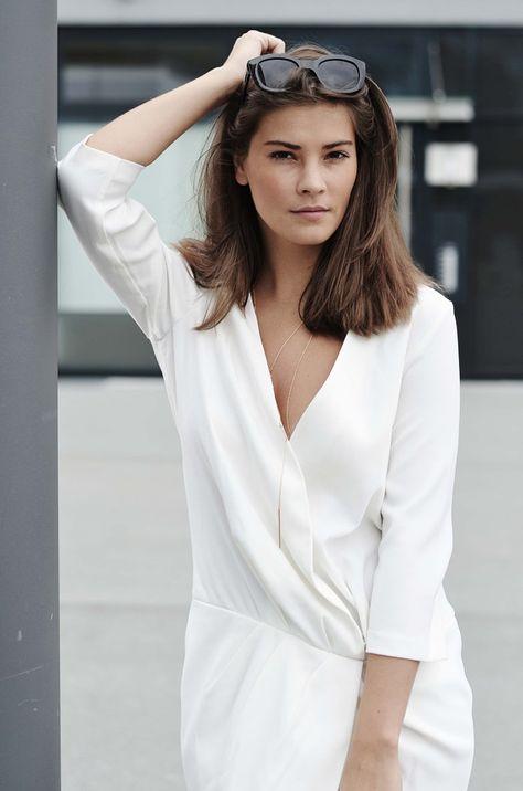 fashiioncarpet white o-shape dress