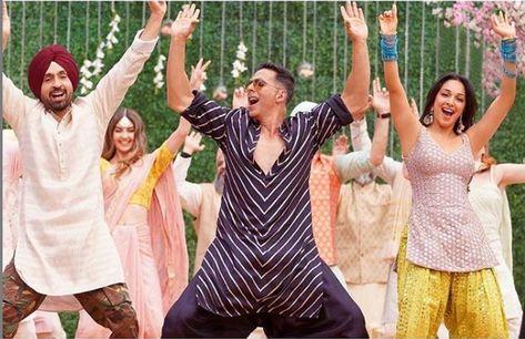 Sauda Khara Khara Lyrics in English & Hindi – Good Newwz 2019