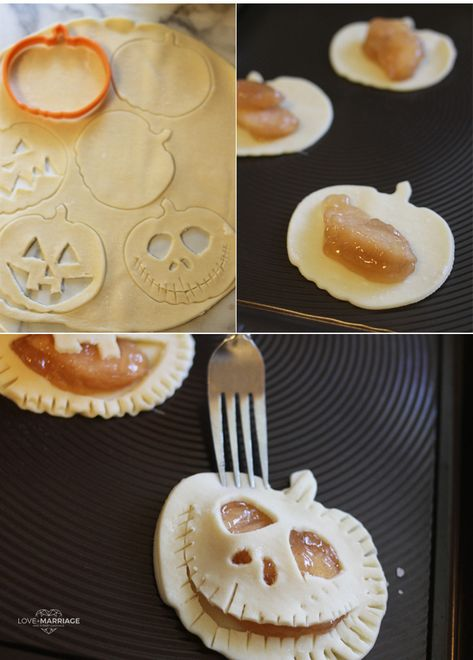 Mini Halloween Pumpkin Apple Pies This recipe is so good and is amazingly easy to make. All you need is two ingredients. The post Mini Halloween Pumpkin Apple Pies appeared first on Halloween Desserts. Halloween Dinner, Halloween Goodies, Halloween Food For Party, Halloween Deserts Easy, Creepy Halloween Food, Healthy Halloween Treats, Spooky Food, Spooky Treats, Halloween Recipe