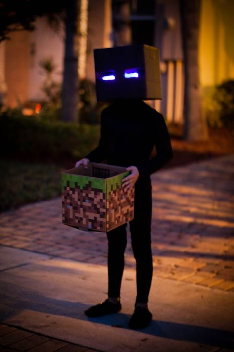 No costume for halloween? Any of these Halloween Costumes for 2018 ideas may be . Minecraft Halloween Costume, Minecraft Costumes, Halloween Costumes Kids Boys, Diy Halloween Costumes For Kids, Minecraft Party, Zombie Costumes, Vampire Costumes, Halloween Couples, Group Halloween