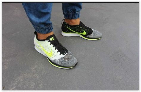 reputable site a8ed0 158da Nike Flyknit Racer white-black-volt 526628-170