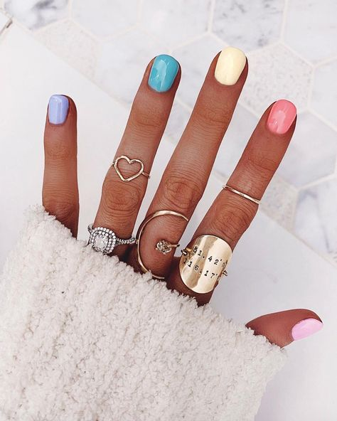 Pretty in Pastel nail colors & designs to try this season - Fab Wedding Dress, Nail art designs, Hair colors , Cakes White Gel Nails, Gradient Nails, Holographic Nails, Acrylic Nails, Rainbow Nails, Rainbow Pastel, Pastel Nails, Stiletto Nails, Colorful Nails