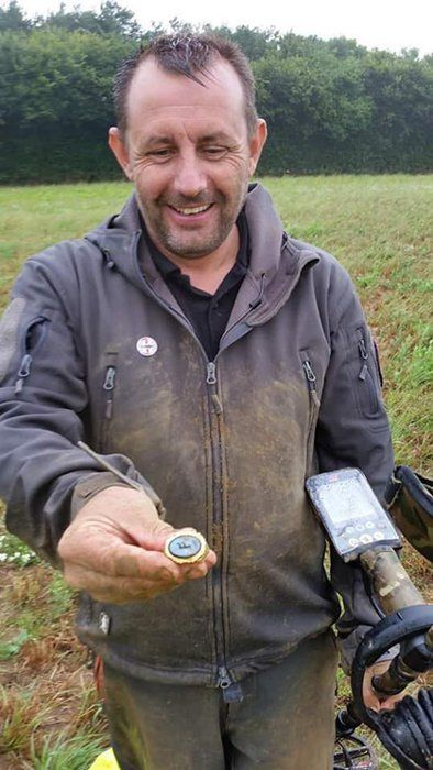 An Absolutely Stunning Roman Gold Ring Is Unearthed In England
