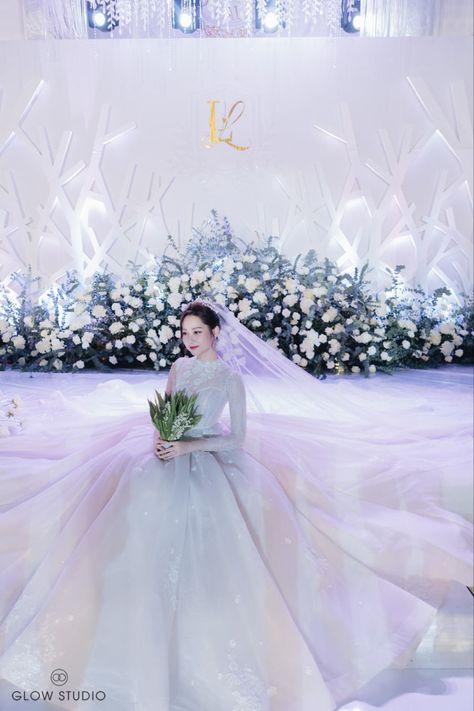 #bride #beautifulbride #weddingphotos #preweddingphotoshoot #young #youth #couple #hanoiwedding #glowstudio #weddingstudio #weddingceremony #weddingparty #weddingcake #weddingmoments #wedding decor