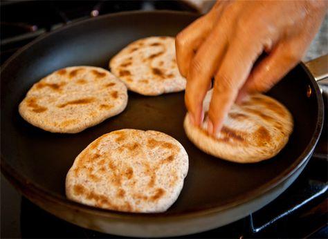 Tibetan Bread — Balep - YoWangdu.com http://www.yowangdu.com http://simplytibetan.com/2008/03/06/amdo-bread/