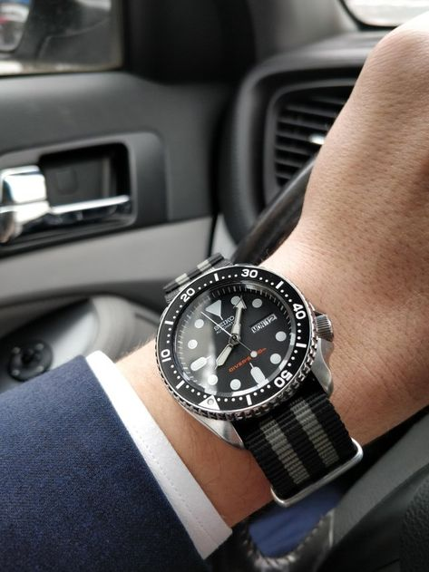 Seiko SKX007 on a NATO strap (x-post r/watches) : Watchbands
