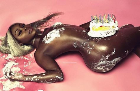 Happy birthday with sexy naked woman — photo 4