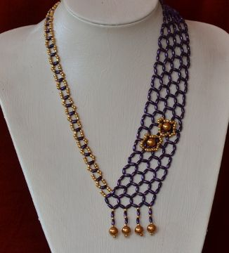 Purple Necklace Beading Pattern by Cecilia Rooke at Bead-Patterns.com - Item Number 19002