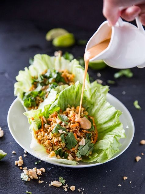 Cauliflower Rice Veggie Lettuce Cups with Sriracha Peanut Sauce by veggieandthebeastfeast #Lettuce_Cups #Cauliflower #Veggie