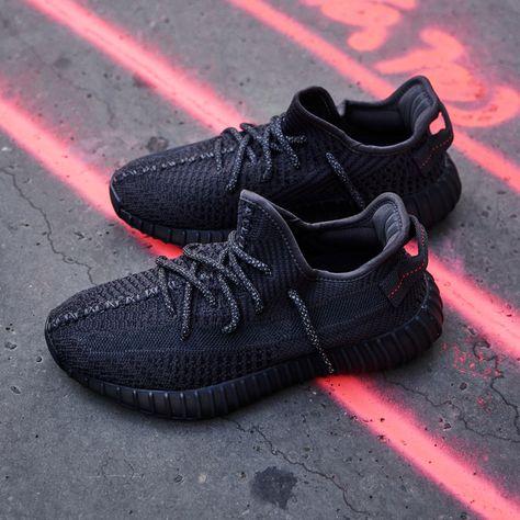 Yeezy Boost 350 V2 Black (Non Reflective) en 2020 Sneakers  Sneakers