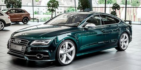 Audi Exclusive 'Emerald Green' I can't stop looking at it.