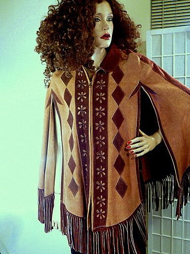 1960s RARE RELIC 2 Tone Suede Poncho Super Detailing Bottom Fringe