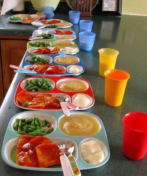 Serving Meals & Snacks {Family Childcare Tips} Daycare Daycare Setup, Daycare Meals, Daycare Design, Daycare Organization, Recipe Organization, Kids Meals, Kids Daycare, In Home Daycare, Toddler Daycare Rooms