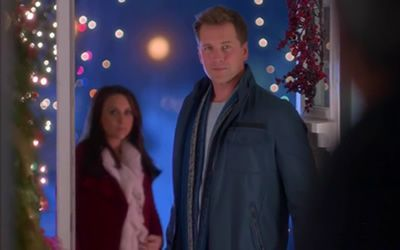 Lacey Chabert And Paul Greene In A Wish For Christmas 2016 Christmas Wishes Lacey Chabert Christmas 2016