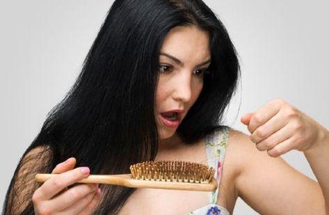 Caduta capelli nelle donne: stress e diete aumentano i ...