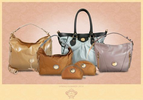 """Warm amber shades are opposed to cold shades of gray and blue, all tied by gold details. Spacious, elegant and versatile models with forms outlined and broken by the play of vertical zips and cuts. Handy and ergonomic, the bags in this collection are perfect """"two ways"""" that adapts to different situations thanks to handles and webbed shoulder straps."""
