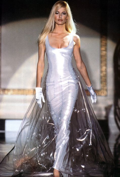 Gianni Versace Haute Couture ATELIER line - Fall Winter 1995 1996 Paris Fashion Week - Ritz Hotel.