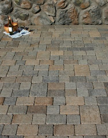 I Have Always Loved This Type Of Square Stone Paving Cobblestone Patio Patio Stones Stone Patio Designs