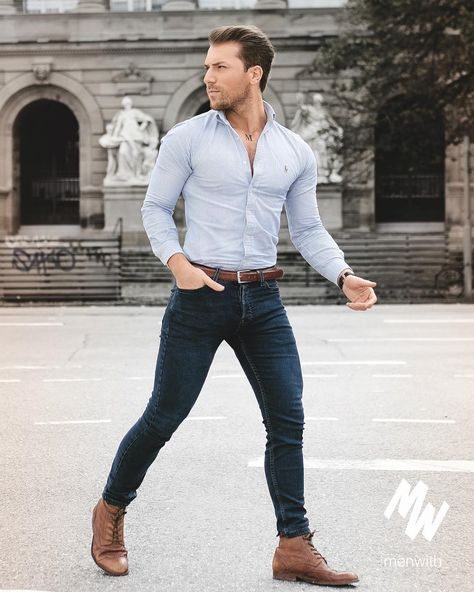 Casual style for men. Denim jeans and blue shirt combo
