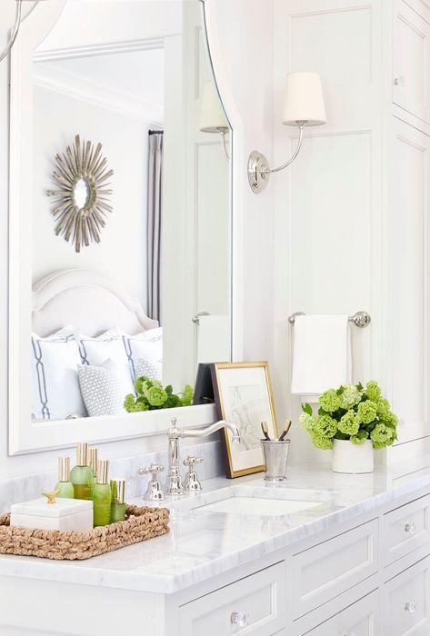 Cool Designer Alert Sarah Bartholomew In 2020 Classic Bathroom