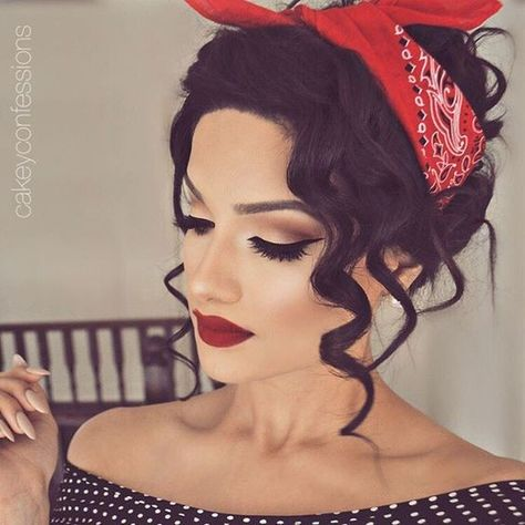 Retro Makeup Vintage Pin Up Hairstyles for Long Hair Pin Up Makeup, Beauty Makeup, Makeup Looks, Hair Makeup, Hair Beauty, Red Lip Makeup, Doll Makeup, Makeup Hairstyle, Prom Makeup