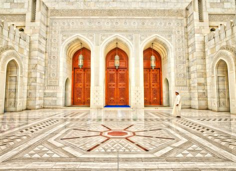 Here's a photo from my visit to Muscat, Oman. I must say the people in Oman were some of the warmest and kindest of any country I've ever visited. I took my whole family there and everyone had the greatest time. If anyone else reading this has been to Oman, then you know exactly what I mean! #TreyRatcliff #HDR #Architecture #Oman #Muscat