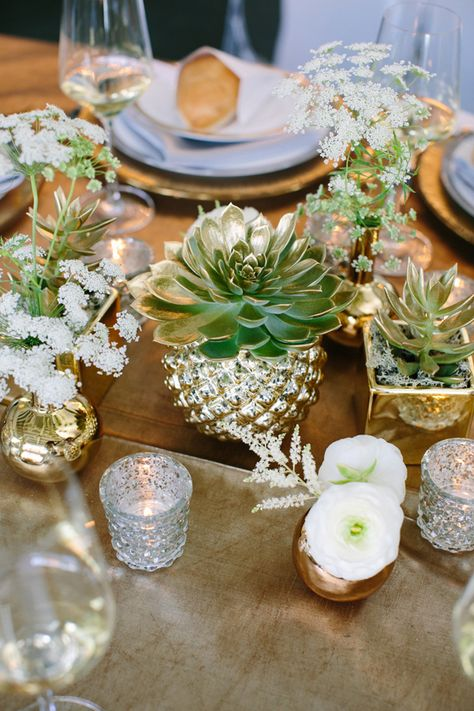 Greens & Golds for a Classy Western Wedding