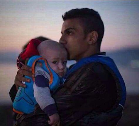 ف هدوء الليل وسكونه تفيض مشاعرنا بجنون الحنين الحنين للأهل للوطن للراحلين لكل شئ جميل رحيل حن Syrian Refugee Crisis Refugee Crisis Syrian Refugees