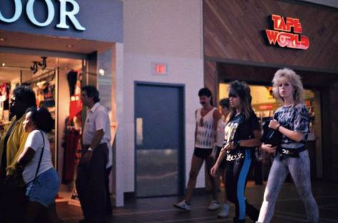Pin By Milk Breg On Photos Of American Malls In The S - Shopping malls america changed since 1989